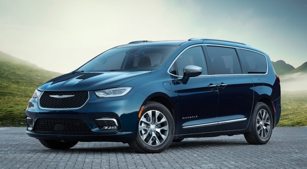2021 Chrysler Pacifica parked