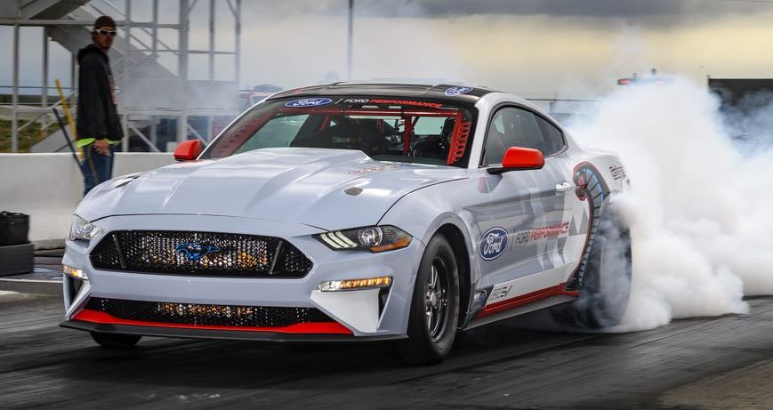 2021 Ford Mustang Cobra Jet 1400 doing a burnout