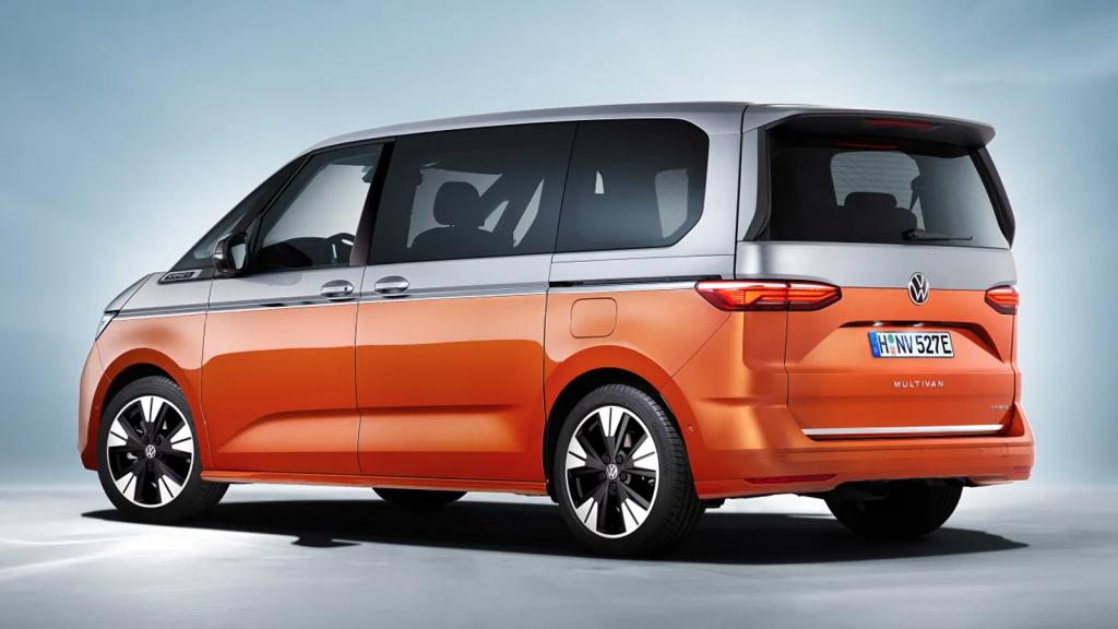 2022 Volkswagen T7 Multivan rear 3/4 view
