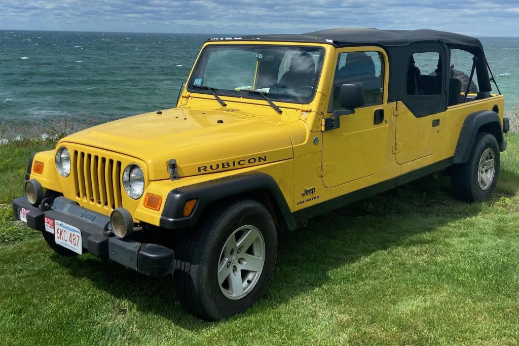 An image of a Jeep Wrangler Rubicon parked outdoors.