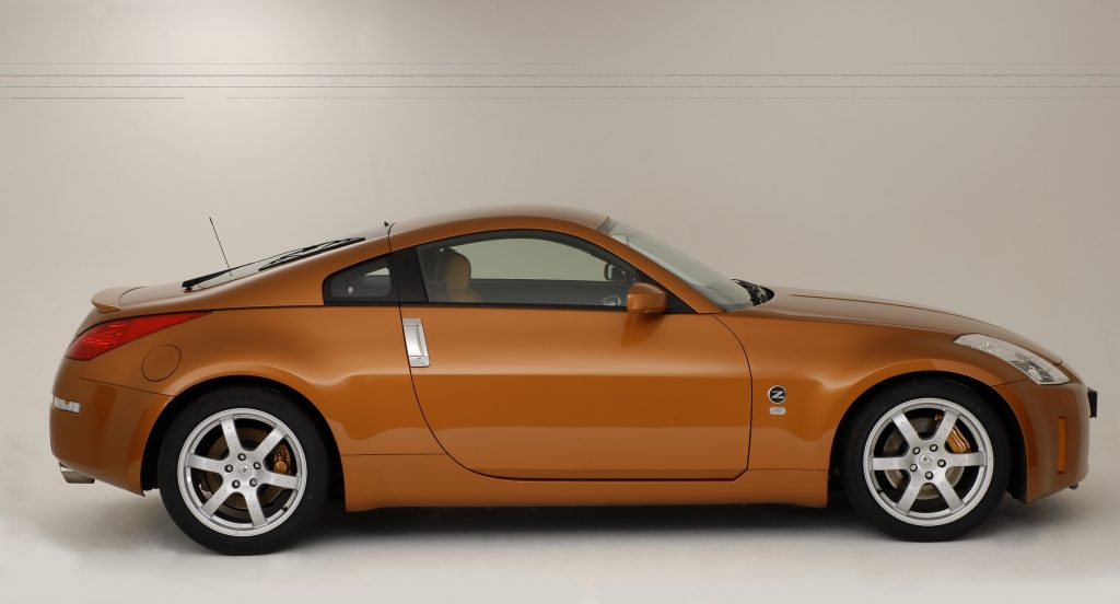 An orange Nissan 350Z