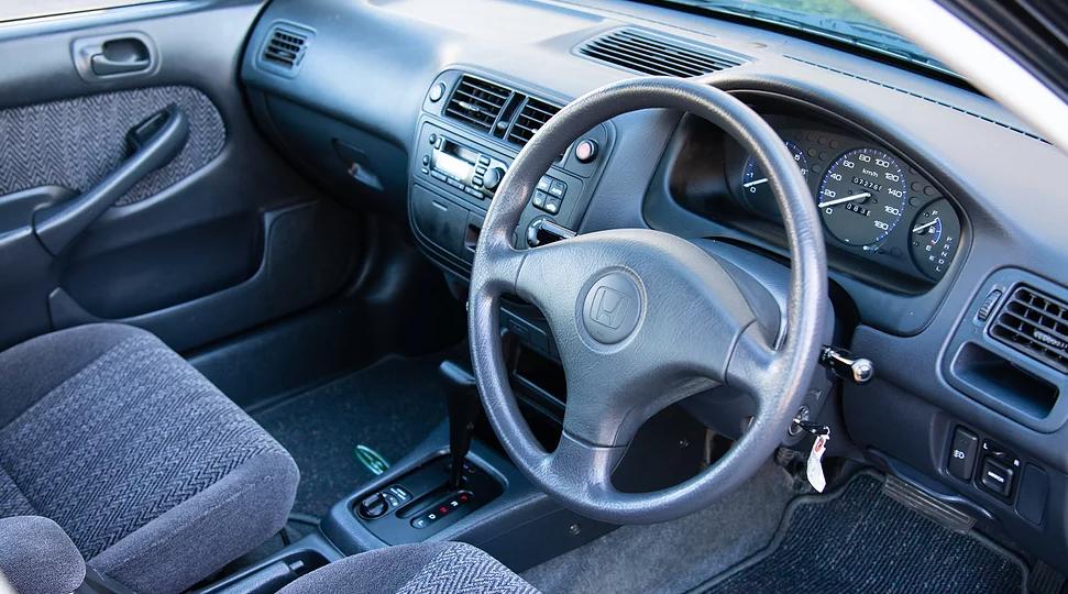 1996 Honda Integra SJ interior