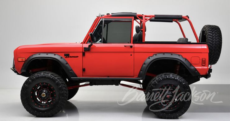 Kevin Hart red Bronco side view