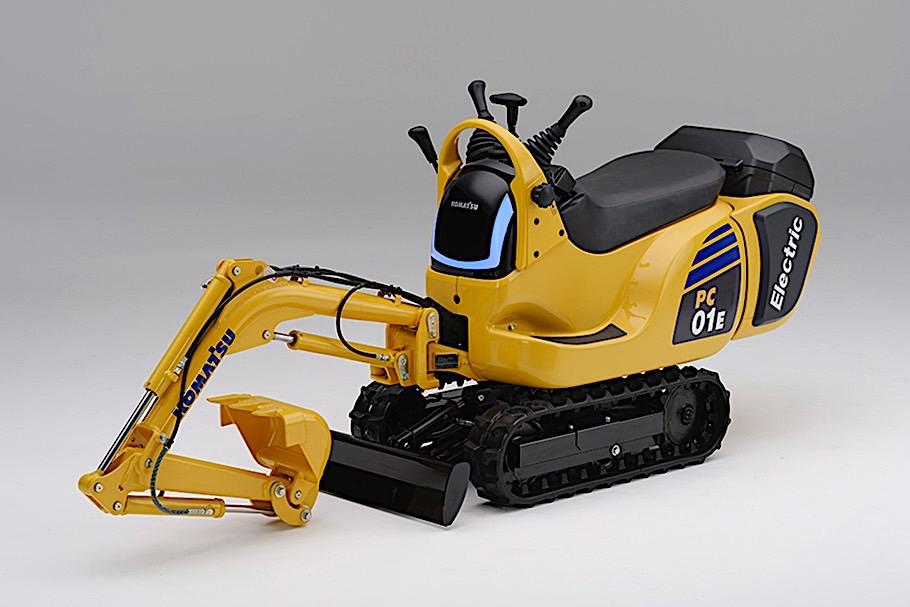 Komatsu electric excavator with Honda battery pack