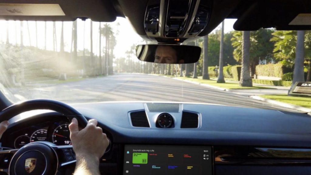 A Porsche interior featuring the Porsche PCM 6.0 Infotainment System.