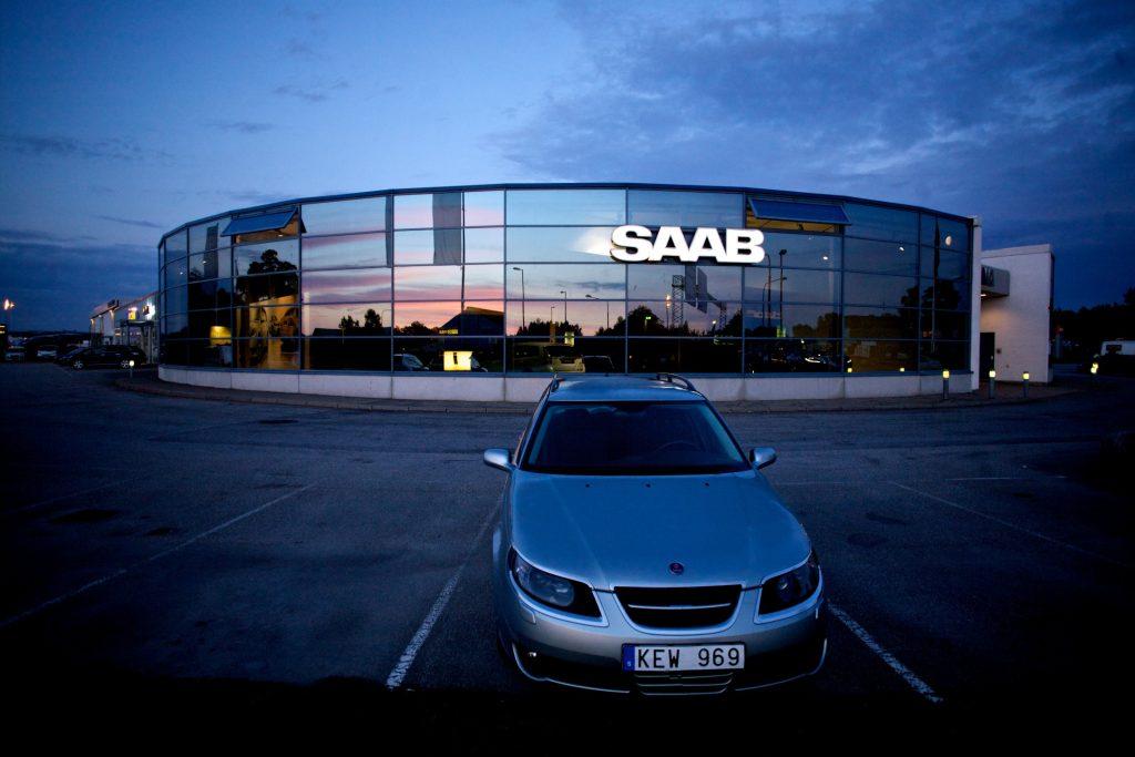 lone Saab at dealership