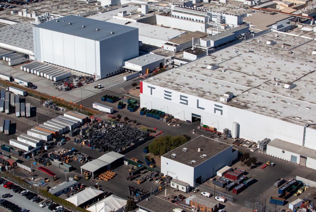 Aerial shot of Fremont Tesla factory