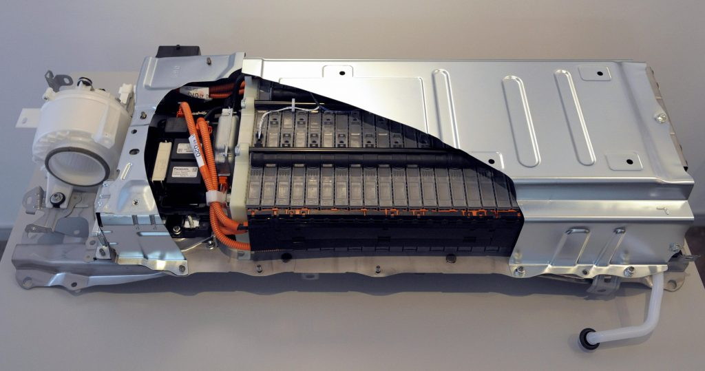 This photo shows the cutting model of Toyota Motors' third-generation Prius hybrid vehicle's battery module.