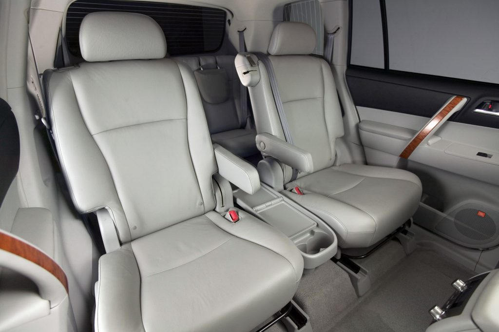 A view of the rear passenger seats and third row of the 2008 Toyota Highlander