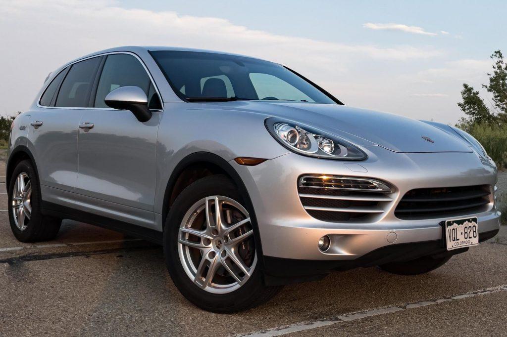 A silver 2013 Porsche Cayenne Manual
