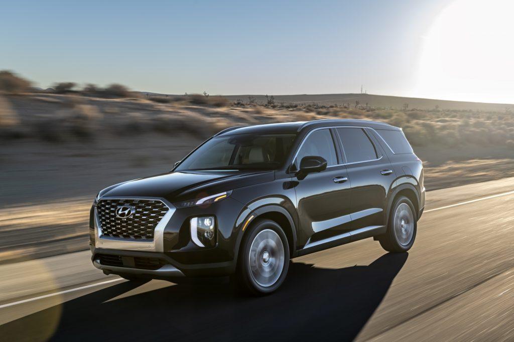 2020 Hyundai Palisade Driving On The Highway
