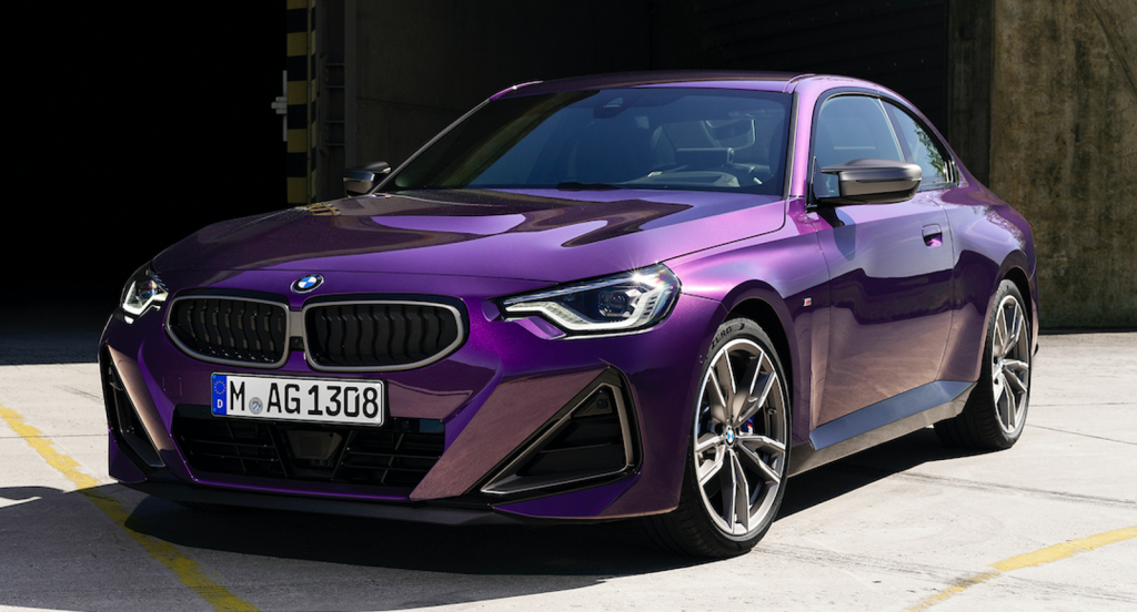 2022 BMW 2 Series front 3/4 view