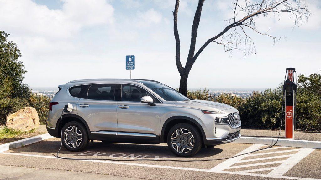 2022 Hyundai Santa Fe Plug-In Hybrid being charged