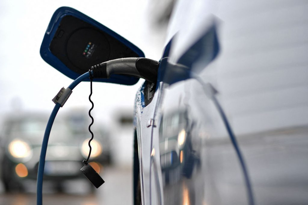 Can You Use an Electric Vehicle Charging Station in a Power Outage?