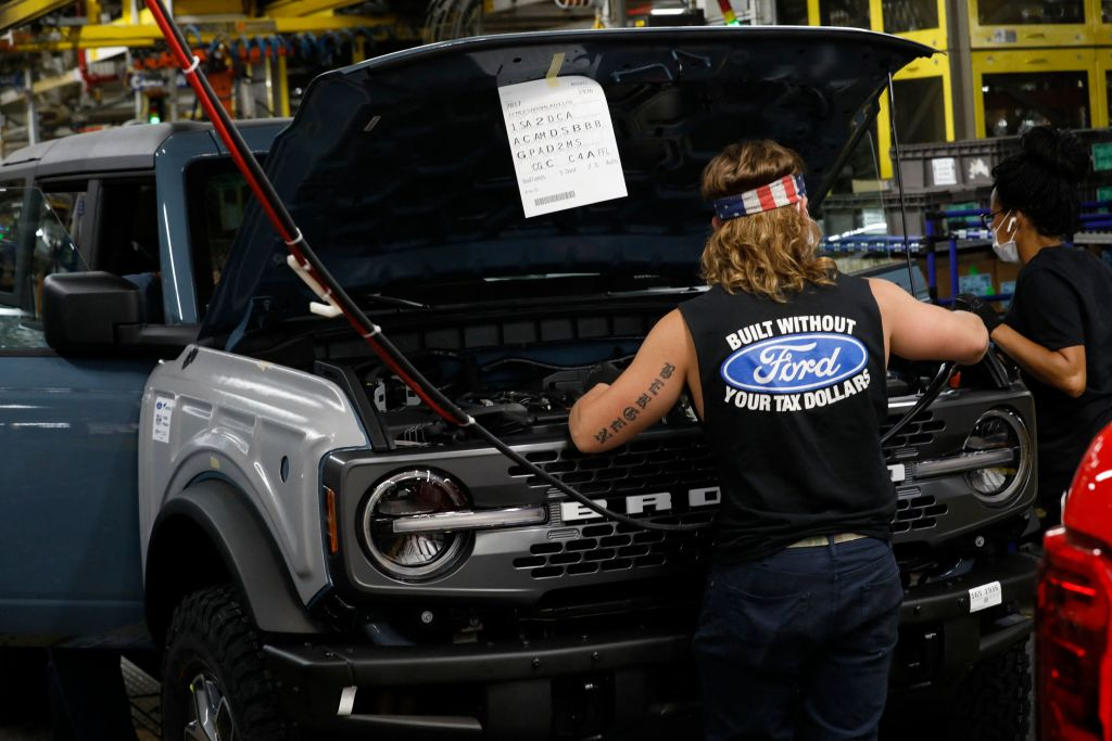 Ford Bronco assembly with worker