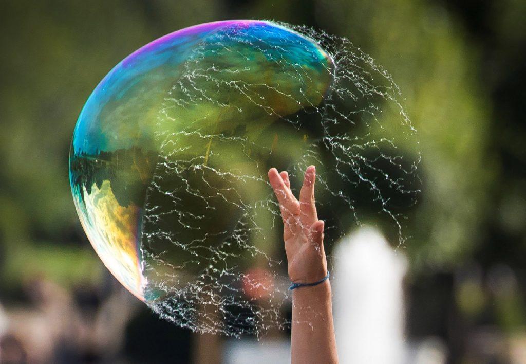 A hydro bubble boat