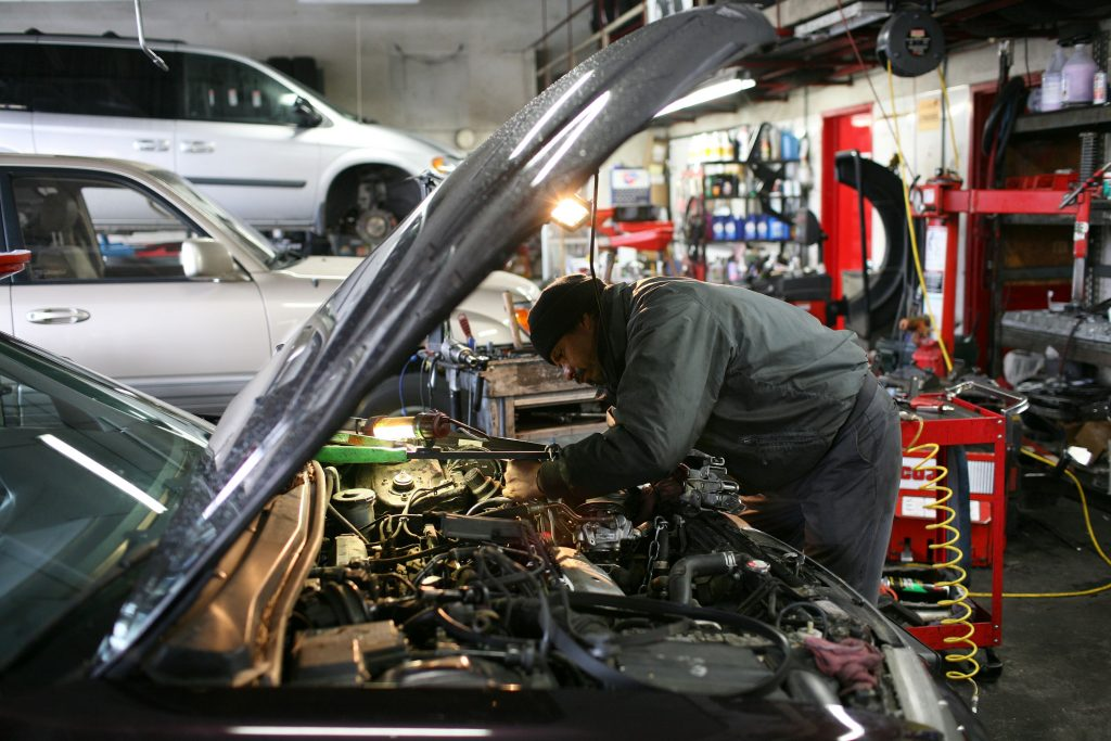 Mechanic repairing a car as more people push for the right to repair to pass