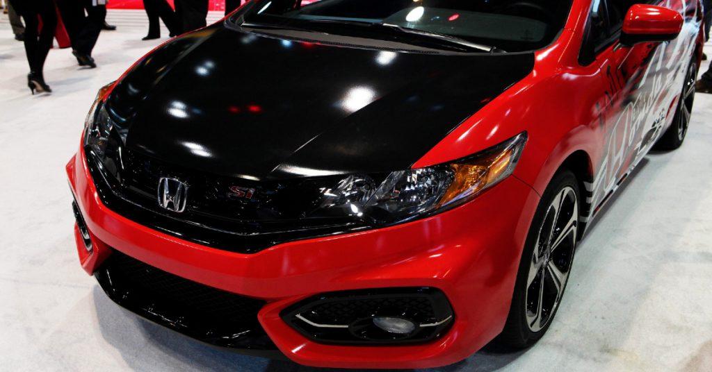 A red Honda Civic Si.
