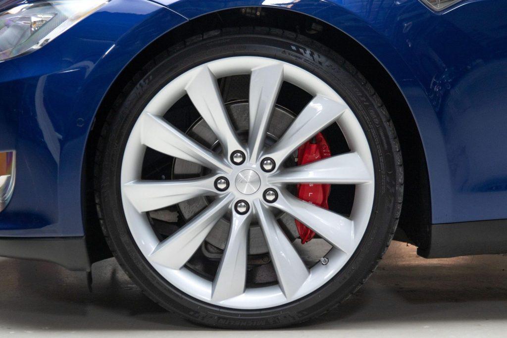 Jay Leno Tesla Model S wheel detail