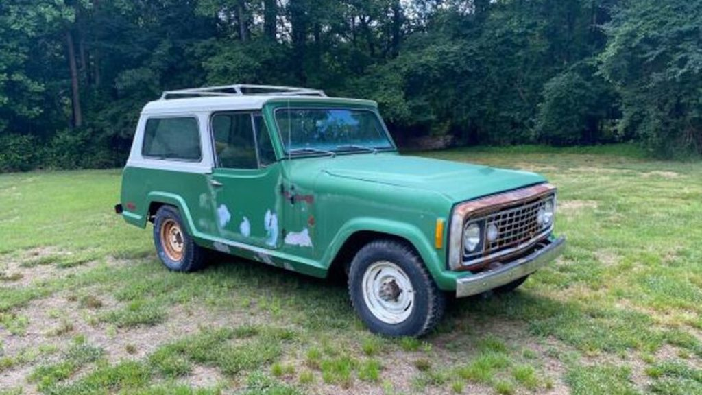 Vintage Jeepster Commando in green can be a great Ford Bronco alternative