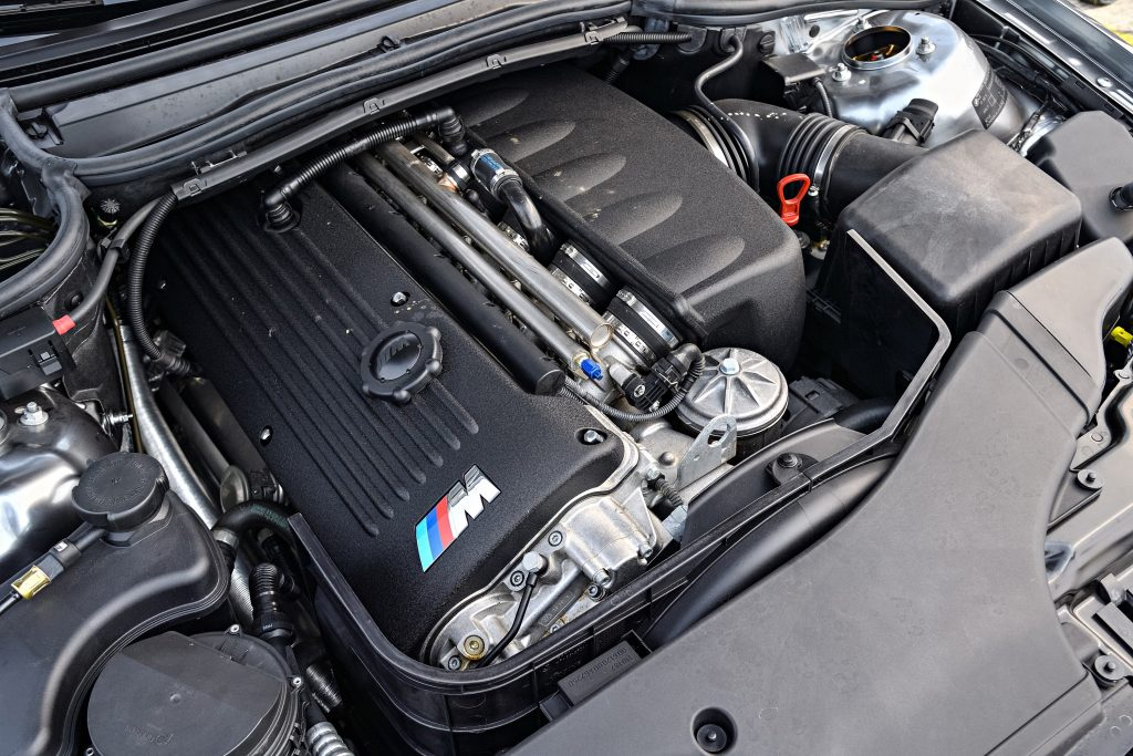 The M3's S54 inline six motor