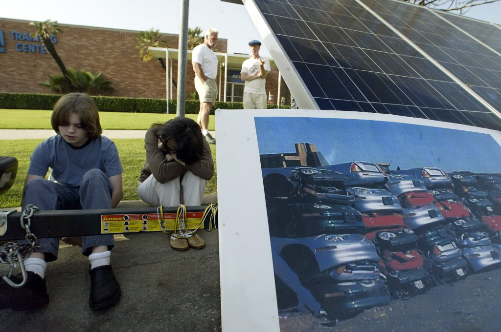 California Residents Protest Crushing EV1s