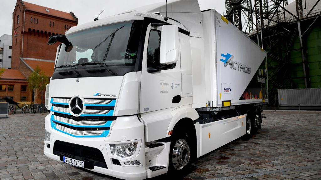 The white electric Mercedes-Benz electric truck e-Actros.
