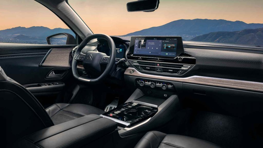 Citroen C5 X EV interior