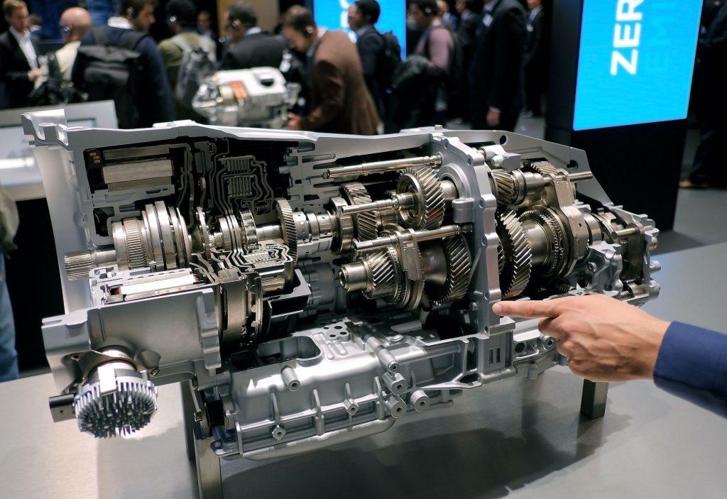 An 8-Speed Dual-Clutch Plug in-Hybrid-Transmission.
