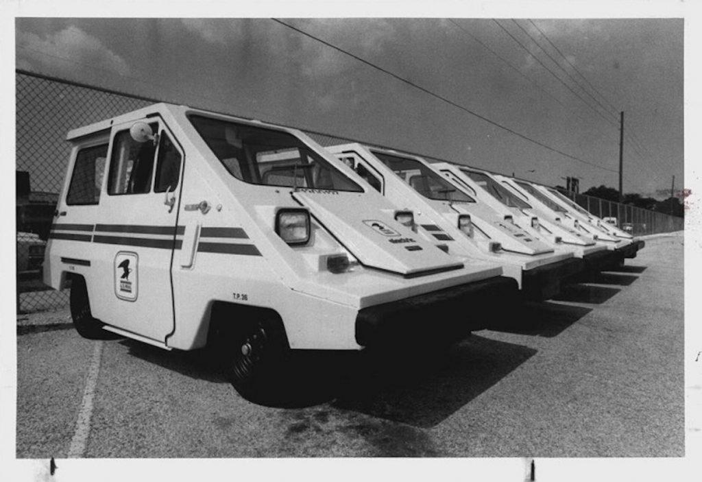A fleet of ComutaCar Postal Vans