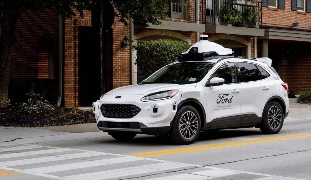 ford-test-vehicle-at-crosswalk