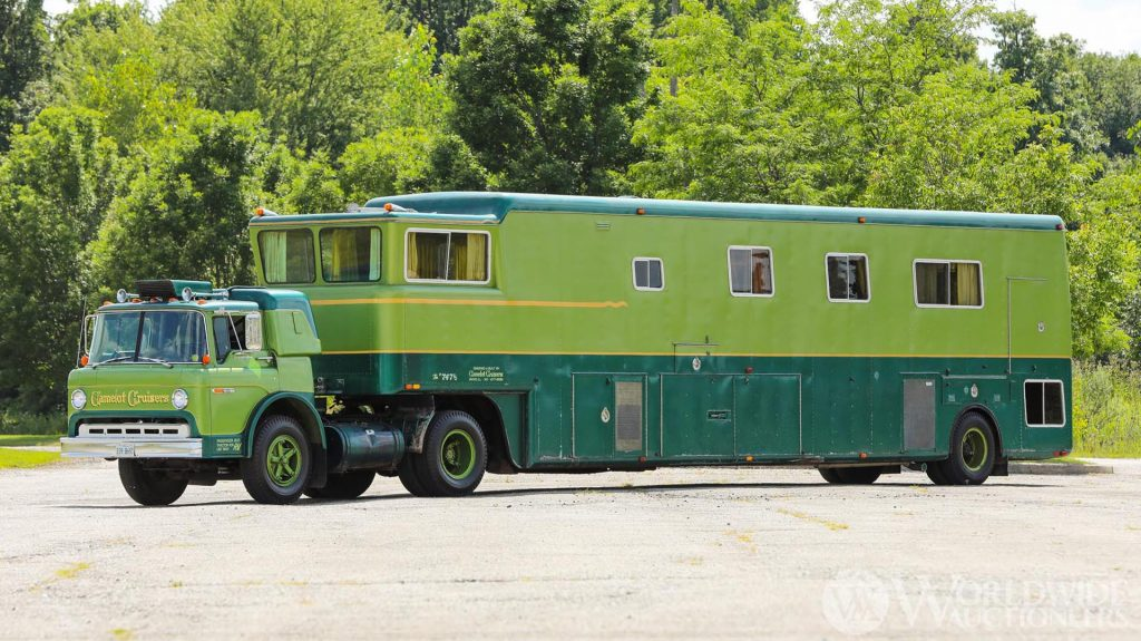 1974 Camelot Cruiser exterior
