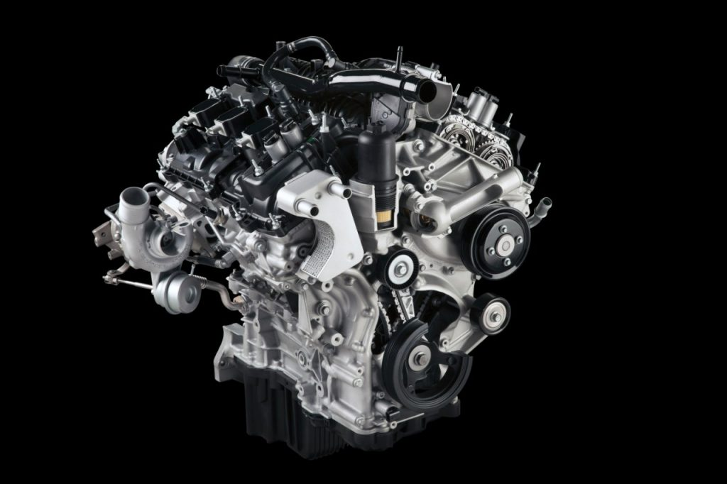 2.7-liter EcoBoost® engine with standard Auto Start-Stop provides best-in-class gas mileage, mid-range V8-like towing capability of 8,500 pounds. It makes 325 horsepower and 375 lb.-ft. of torque.