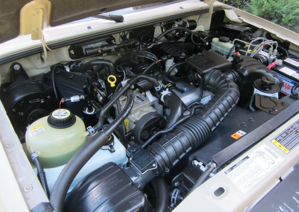 2001 Ford Ranger engine compartment
