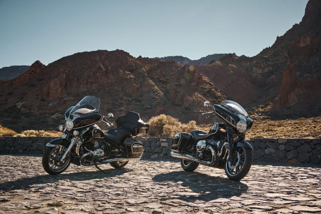 A black-and-chrome 2022 BMW R 18 Transcontinental (left) and R 18 B in the desert