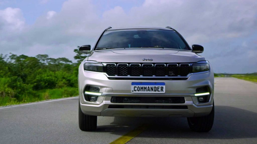 2022 Jeep Commander Brazil front view