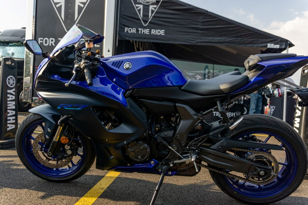 The left-side view of a blue-and-black 2022 Yamaha YZF-R7