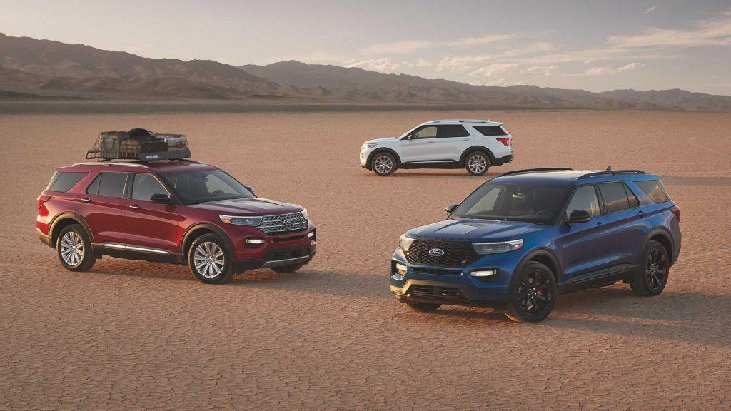 2022 Ford Explorer ST models in the desert