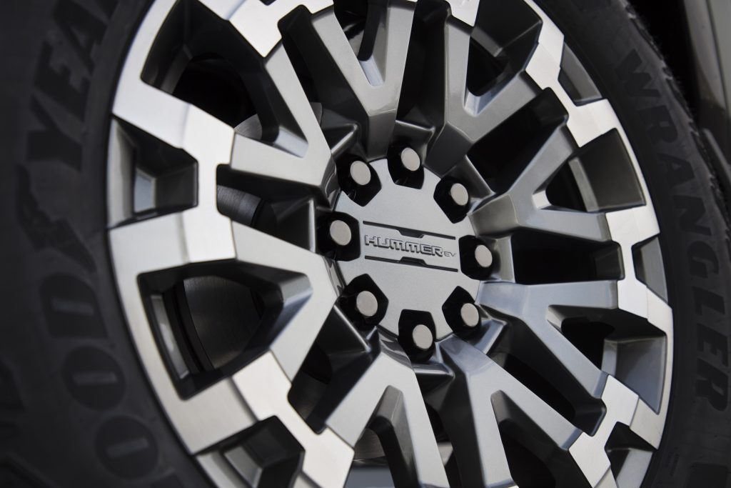 The massive off-road wheel of the new 2022 GMC Hummer EV