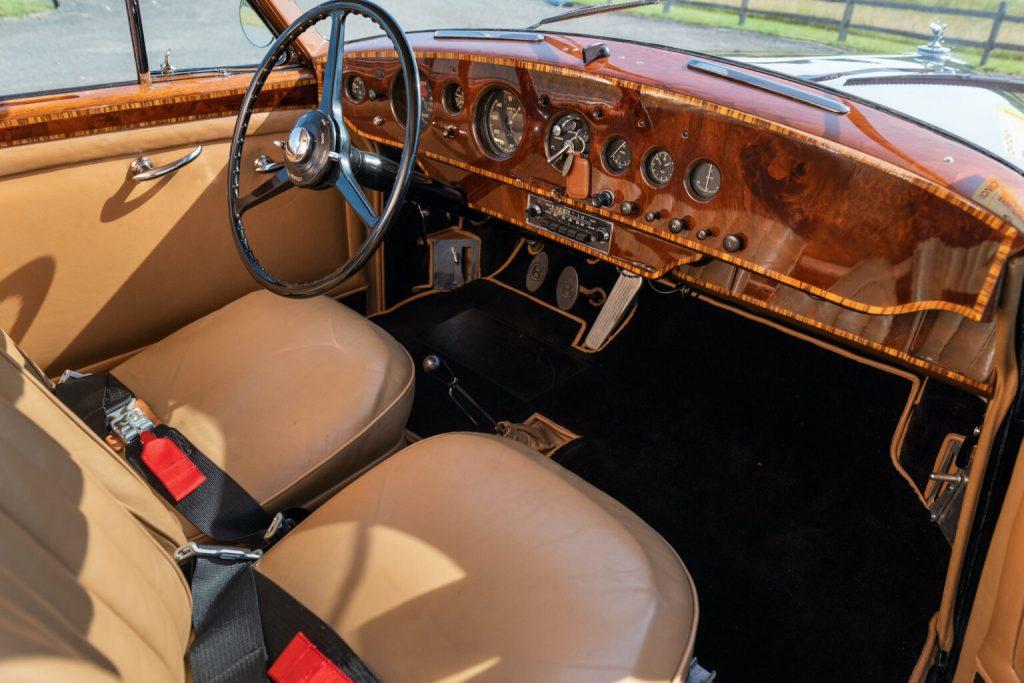 walnut dash on James Bond's classiest car