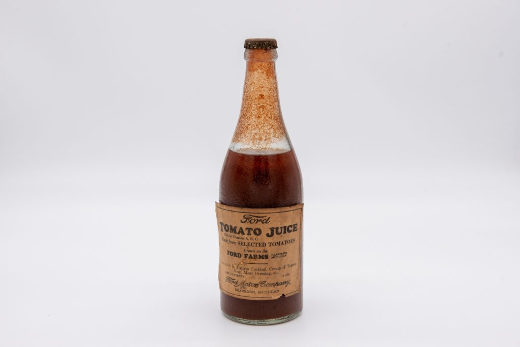 photo of bottled tomato juice from the 1930s made by Henry Ford's farm land