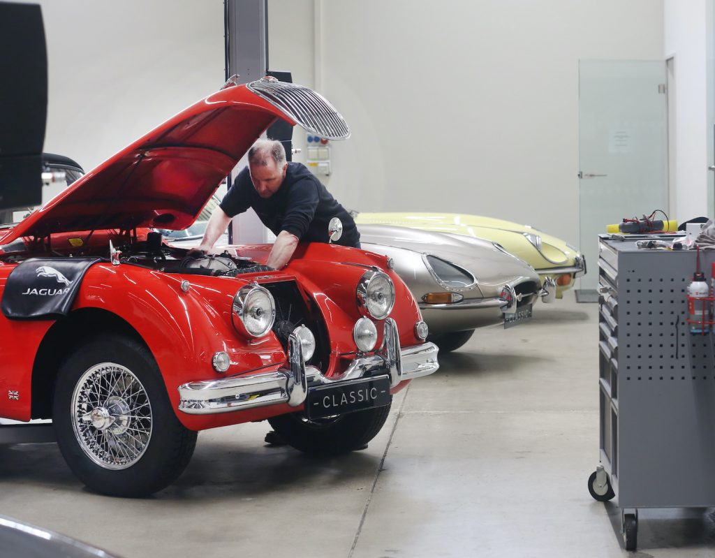 08 April 2019, North Rhine-Westphalia, Essen: A Jaguar XK 120 from 1949 repaired in the Jaguar Landrover Classic Center by workshop master Marco Walter. The car dealership for English classic cars also shows its cars at the Techno-Classica trade fair. Photo: Roland Weihrauch/dpa (Photo by Roland Weihrauch/picture alliance via Getty Images) Do open recalls change a car's trade-in value?