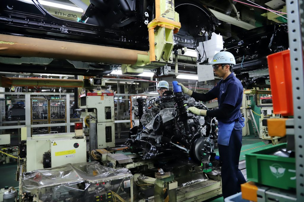 Workers of Japanese automobile giant Toyota Motor assemble an engine to hybrid vehicle Prius at the company's Tsutsumi Plant in Toyota city in Aichi prefecture, central Japan on December 8, 2017. The plant assembled a total of 1,400 vehicles, mainly Prius and Prius PHV in a day.    YOSHIKAZU TSUNO/GAMMA-RAPHO. Learn to decode your toyota engine name with our Toyota engine family chart and engine feature table.