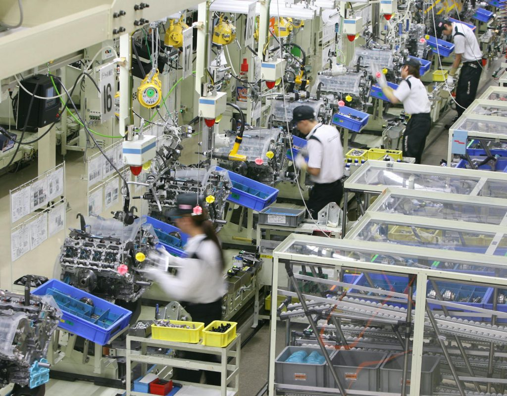 Tahara, JAPAN: Workers at Japan's auto giant Toyota motor assemble engines for LEXUS cars at the company's Tahara plant in Aichi prefecture, 28 June 2007. 670 Lexus were assembled in Tahara plant as production output per day, the company said.  AFP PHOTO / KAZUHIRO NOGI (Photo credit should read KAZUHIRO NOGI/AFP via Getty Images). Learn to decode your toyota engine name with our Toyota engine family chart and engine feature table.