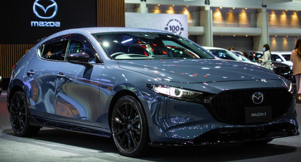 The 2021 Mazda Mazda3 new vehicle.