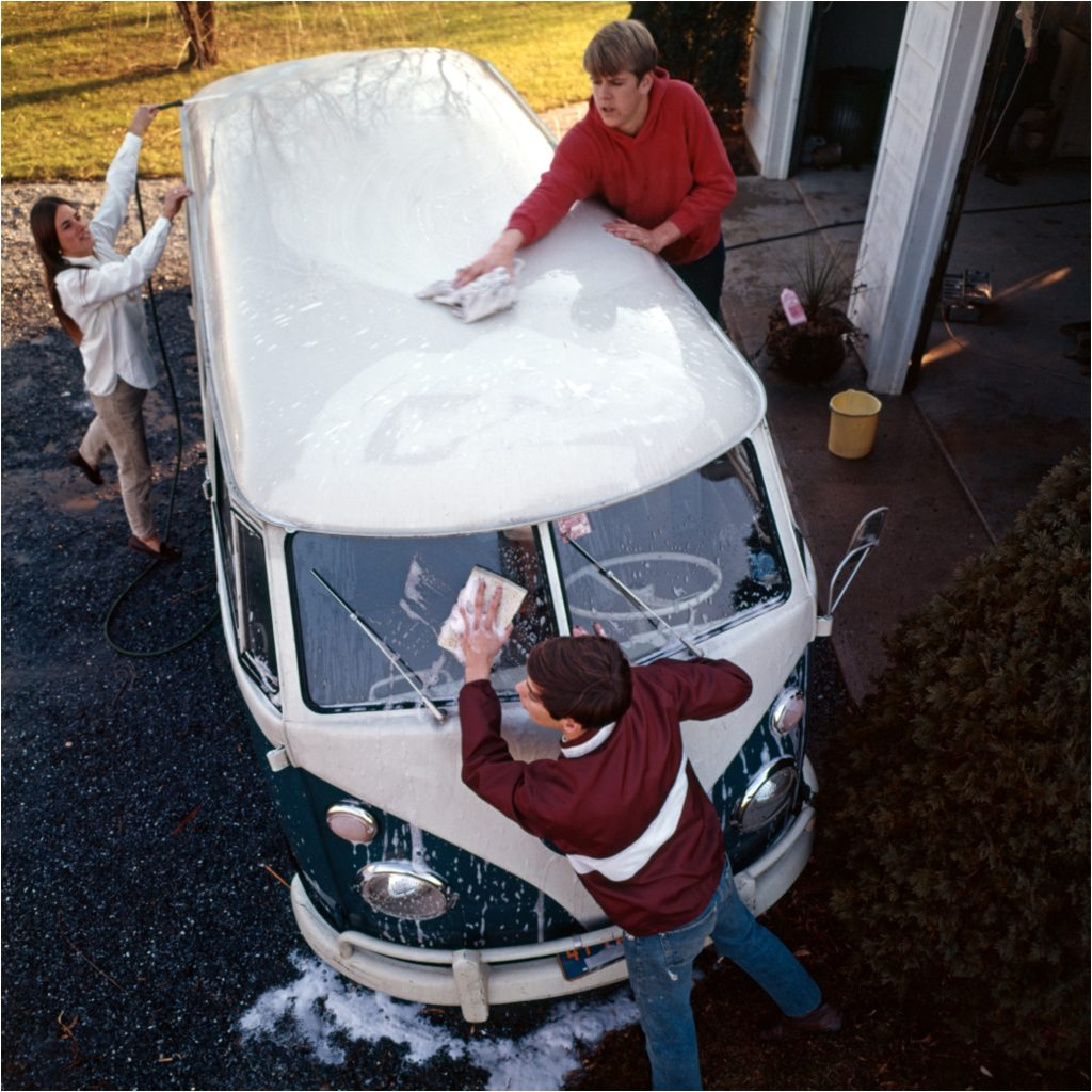 Washing A Volkswagen Bus
