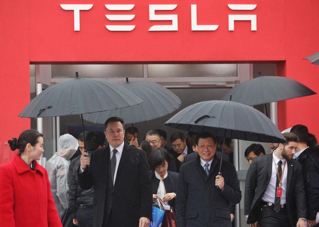 Elon Musk visiting a Tesla Factory in China with Shanghai Mayor Ying Yong