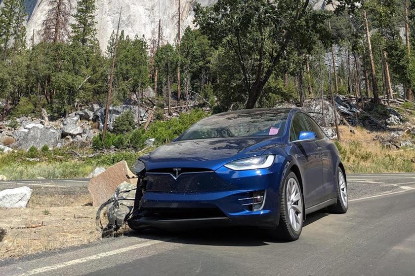 Tesla FSD crash aftermath in Yosemite