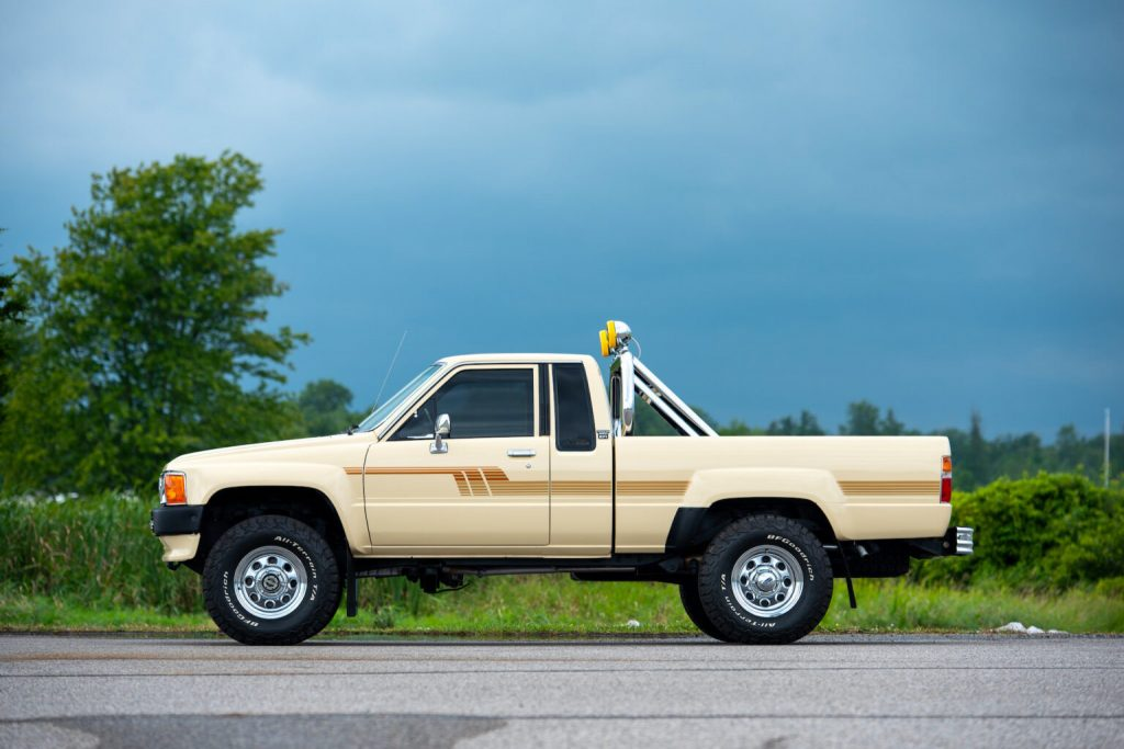 1986 Toyota Hilux 4X4 similar to the one Marty McFly Drove in Back to the Future