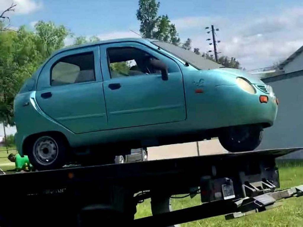 Super rare EV, the 2006 Zap Xebra found on Facebook marketplace seen on a trailer painted in a teal blue